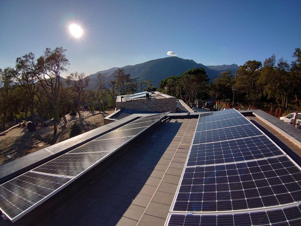 Manteniment d'instal·lacions elèctriques i climàtiques d'habitatges i edificis.